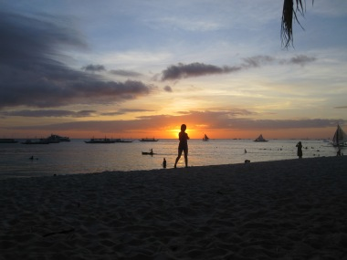 Benschilada Boracay White Beach - Philippines (10)