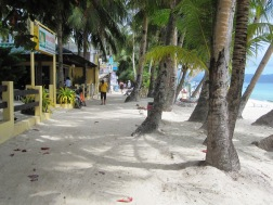 Benschilada Boracay White Beach - Philippines (3)