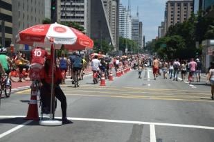 Brazil (3) Sao Paulo Avenida Paulista free of traffic
