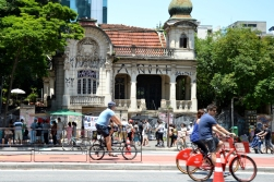 Brazil (6) Sao Paulo Avenida Paulista free of traffic