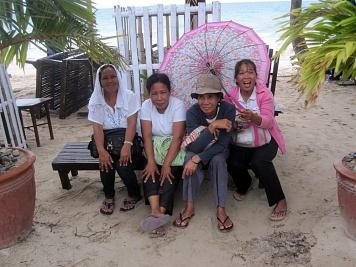 Benschilada Boracay White Beach - Philippines (35)