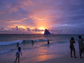 Benschilada Boracay White Beach - Philippines (50)
