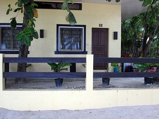 Benschilada Boracay White Beach - Philippines (52)